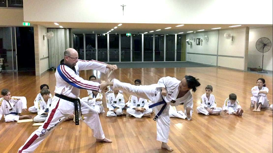 Set Yen Soo - Side Kick